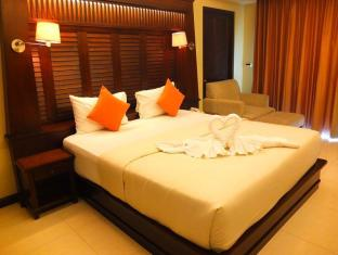 August Suites Pattaya Pattaya - Deluxe Balcony King Bed