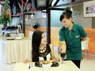 Country Heritage Resort Surabaya - Restaurant