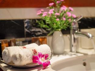 Conifer Boutique Hotel - Managed by H&K Hospitality Hanoi - Bathroom
