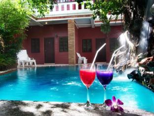 Jang Resort Phuket - Swimming Pool