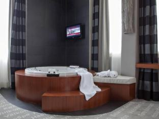 Hotel Metropolis Roma - Vannas istaba