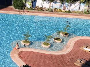 Sotogrande Hotel & Resort Mactan Island - Swimmingpool