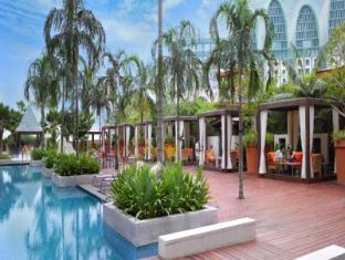 Resorts World Sentosa - Festive Hotel Singapore - Swimming Pool - Day View