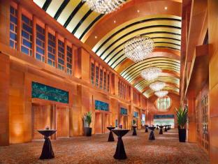 Resorts World Sentosa - Festive Hotel Singapore - Resorts World Ballroom - Lobby