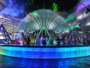 Resorts World Sentosa - Festive Hotel Singapore - Lake of Dreams