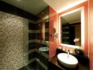 Resorts World Sentosa - Festive Hotel Singapore - Bathroom