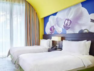 Resorts World Sentosa - Festive Hotel Singapore - Deluxe Twin