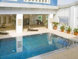 St Giles Makati - Classic Hotel Manila - Swimming Pool