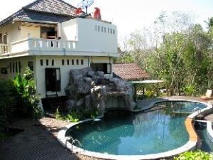 Baan Busaba Hotel