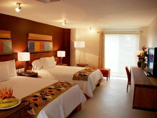 Hotel Loma Real Reviews