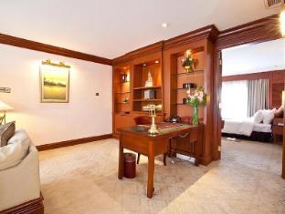 Hotel Cambodiana Phnom Penh - Executive Suite Living Room