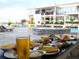Hotel Cambodiana Phnom Penh - Breeze Poolside Bar