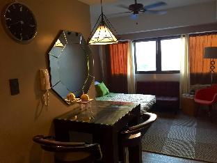 picture 2 of Monte Carlo Suburban Studio