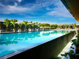 Century Kuching Hotel Kuching - Swimming Pool
