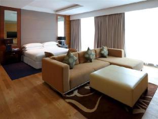 Century Kuching Hotel Kuching - Premier Deluxe - Suite Bedroom