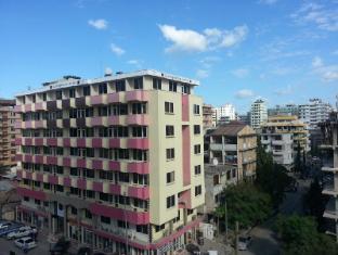 F10 Livingstone Hotel