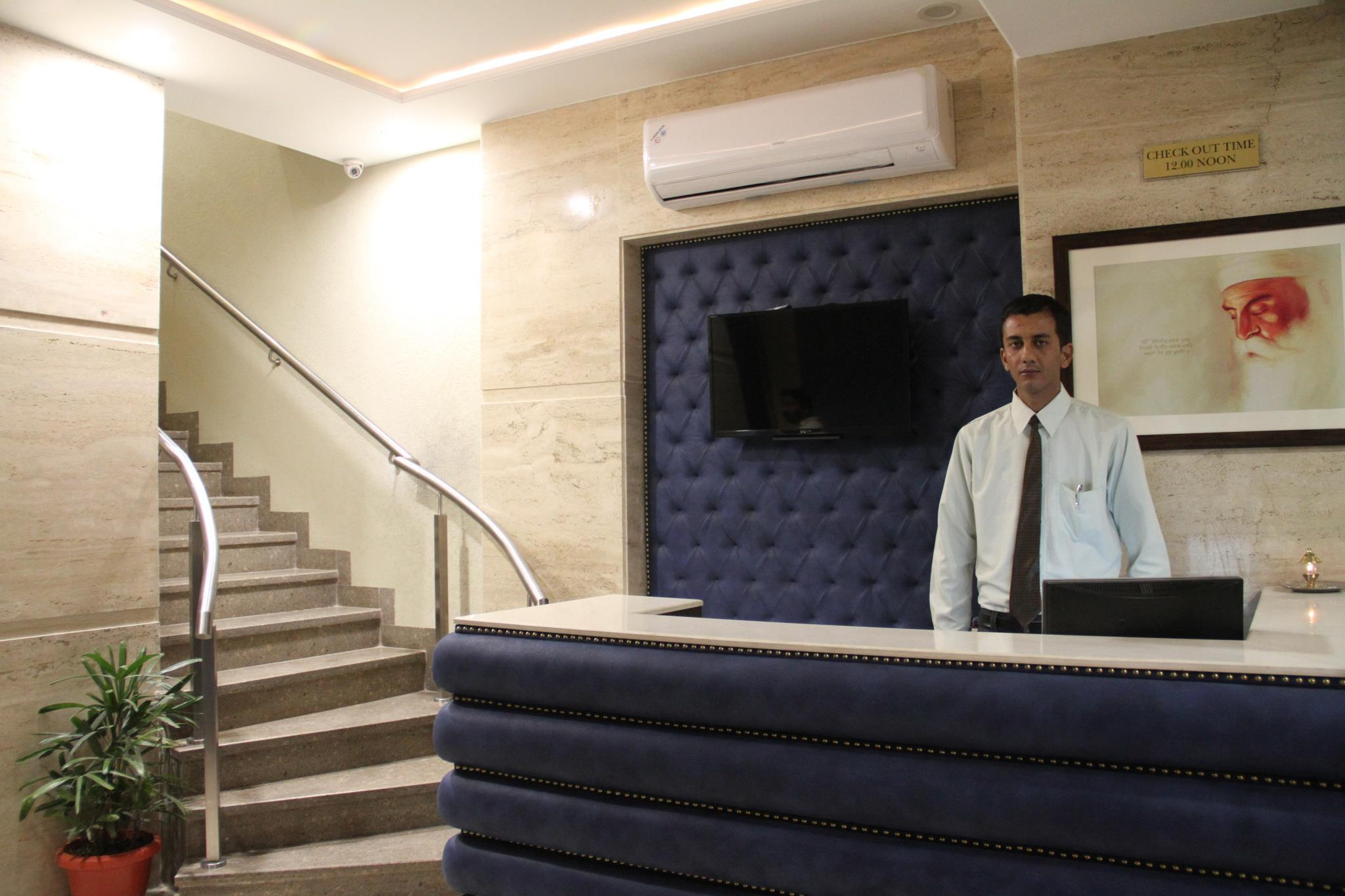 Discount Hotel The Zodiac