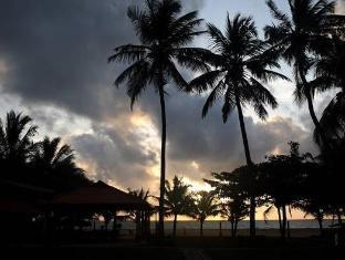Paradise Beach Hotel Negombo - Sunset View