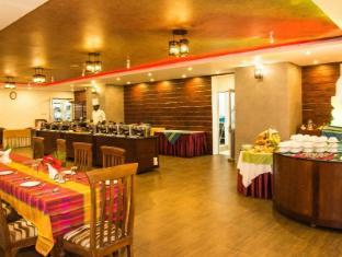 Paradise Beach Hotel Negombo - Main Restaurant