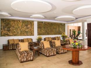 Paradise Beach Hotel Negombo - Lobby Relaxing Area