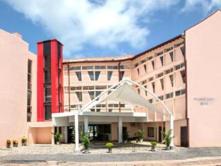 Paradise Beach Hotel Negombo - Hotel Main Entrance exterior View