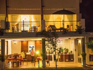 Paradise Beach Hotel Negombo - Suite Room