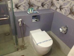 Paradise Beach Hotel Negombo - Standard Bathroom