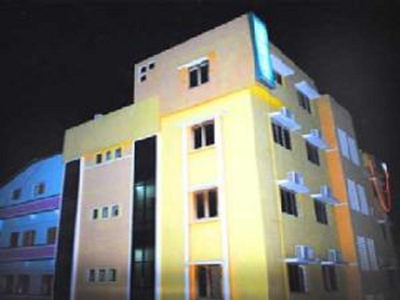 Hotel Dhuvathara