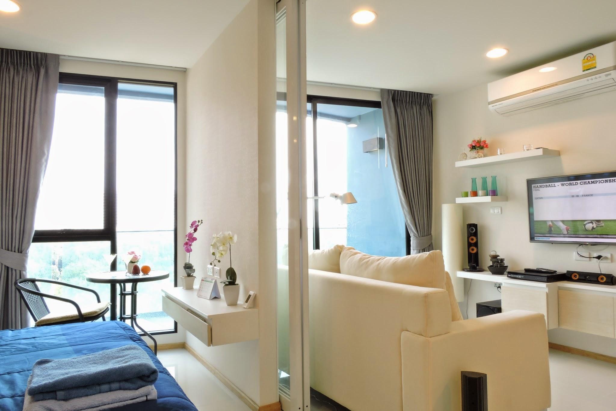 Acqua Condominium Sea View Condo