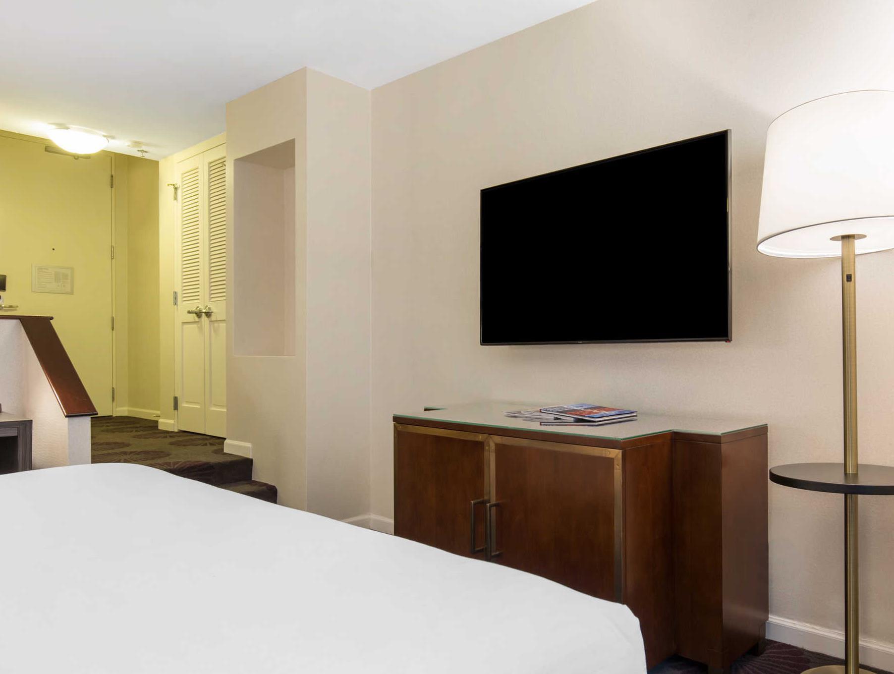 Cambria Hotel Chicago Magnificent Mile