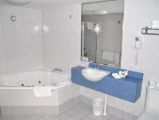 Tropical Heritage Cairns Cairns - Phòngtắm