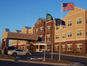 Country Inn & Suites Kansas City at Village West