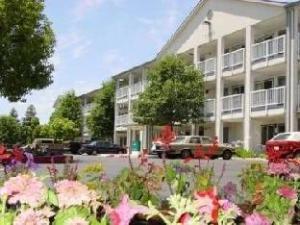 Crossland Sacramento Hotel
