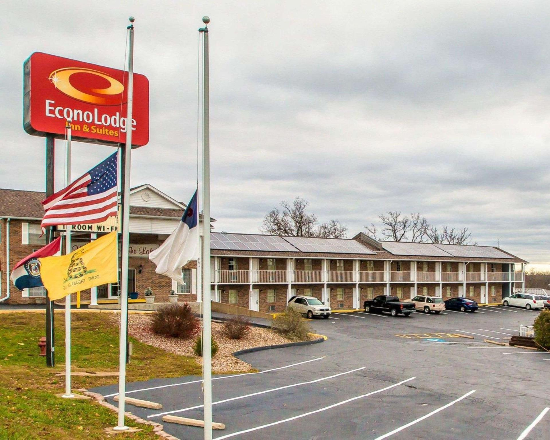 Econo Lodge Inn And Suites Lake Of The Ozarks