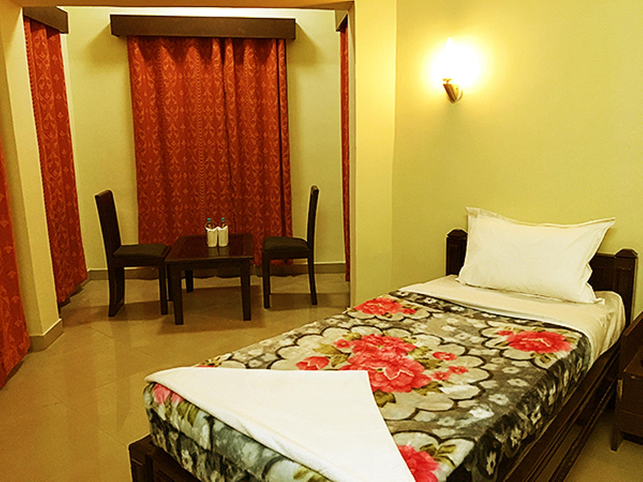 Hotel Amprapali Vihar