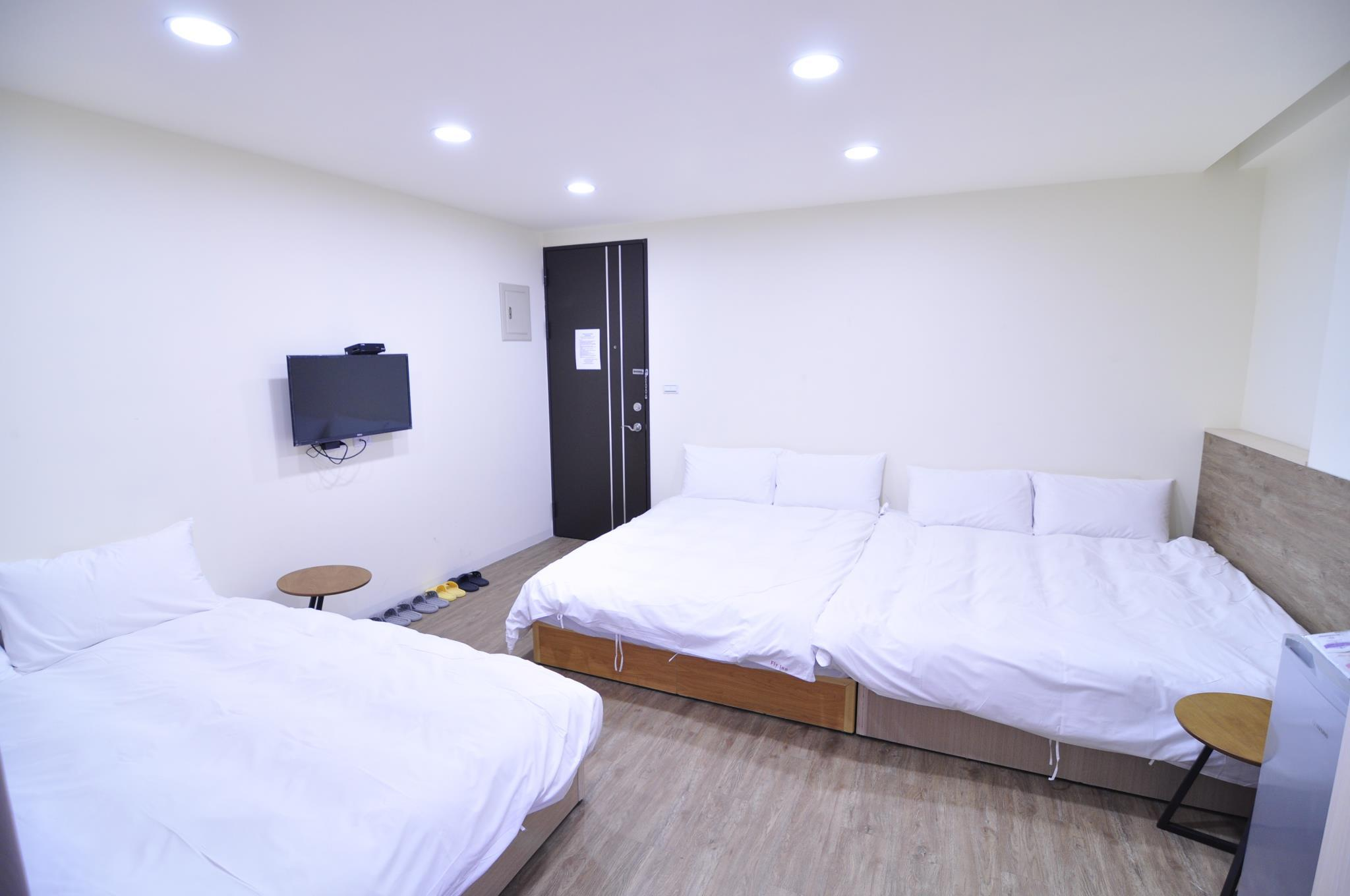 Flyinnhostel Quad Room 2