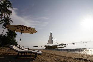 picture 1 of Ursula Beach Club