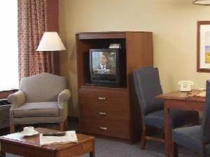 The Holly Tree Resort Hotel a VRI Resort