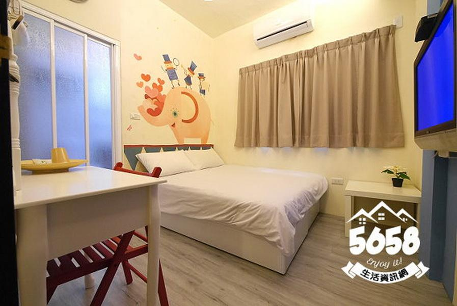 JJ Double Room 213