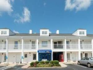 Baymont Inn and Suites - Greenville/I-65