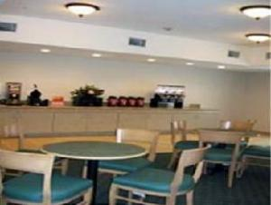 Cantera Inn & Suites
