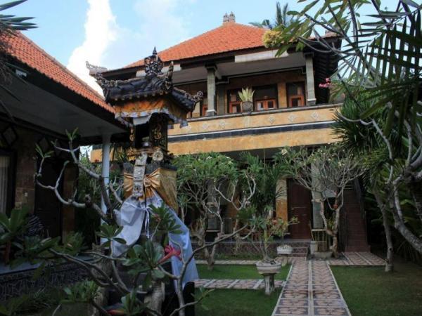 Arya Inn Enny Salon and Spa Bali