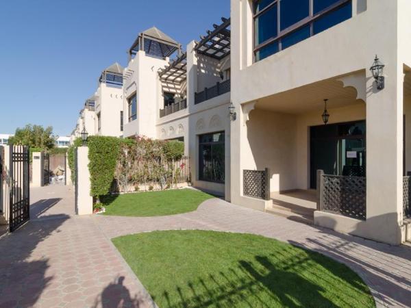 Rojen Villas - Deluxe Three Bedroom Villa B Dubai