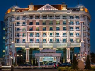 /hu-hu/rixos-almaty-hotel/hotel/almaty-kz.html?asq=5VS4rPxIcpCoBEKGzfKvtE3U12NCtIguGg1udxEzJ7nZRQd6T7MEDwie9Lhtnc0nKViw1AnMu1JpKM9vZxUvIJwRwxc6mmrXcYNM8lsQlbU%3d