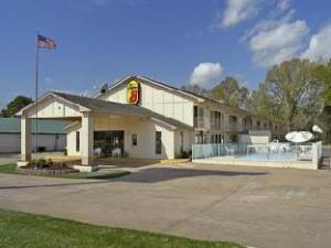 Super 8 Clarksville Hotel