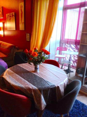 Chic One Bedroom Apartment in Champs Elysses Paris