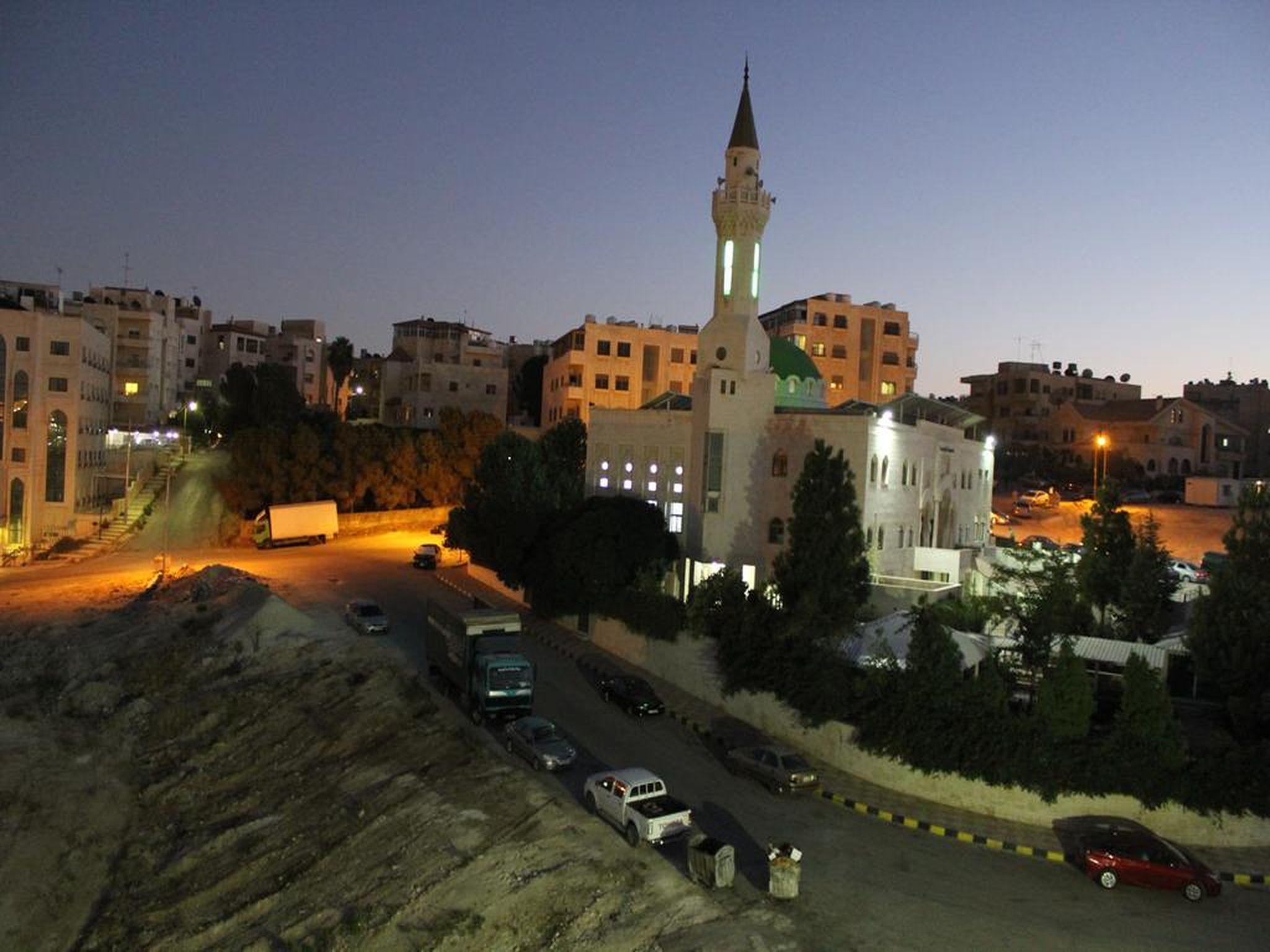 Al Mohandes Apartment 18