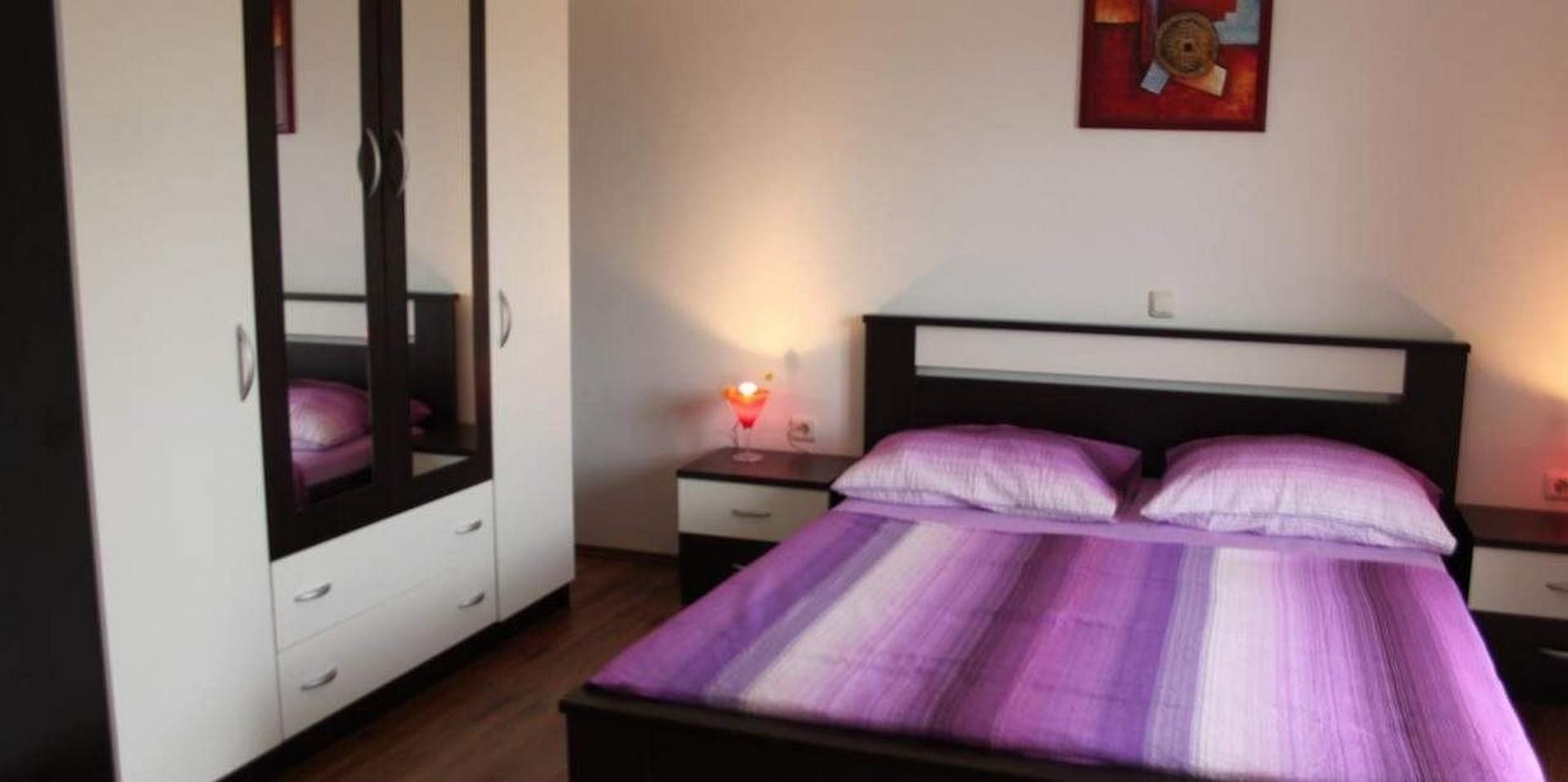 One Bedroom Apartment In Povljana