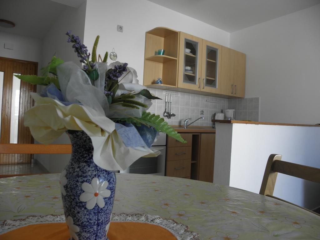 Cozy One Bedroom Apartment In Barbat