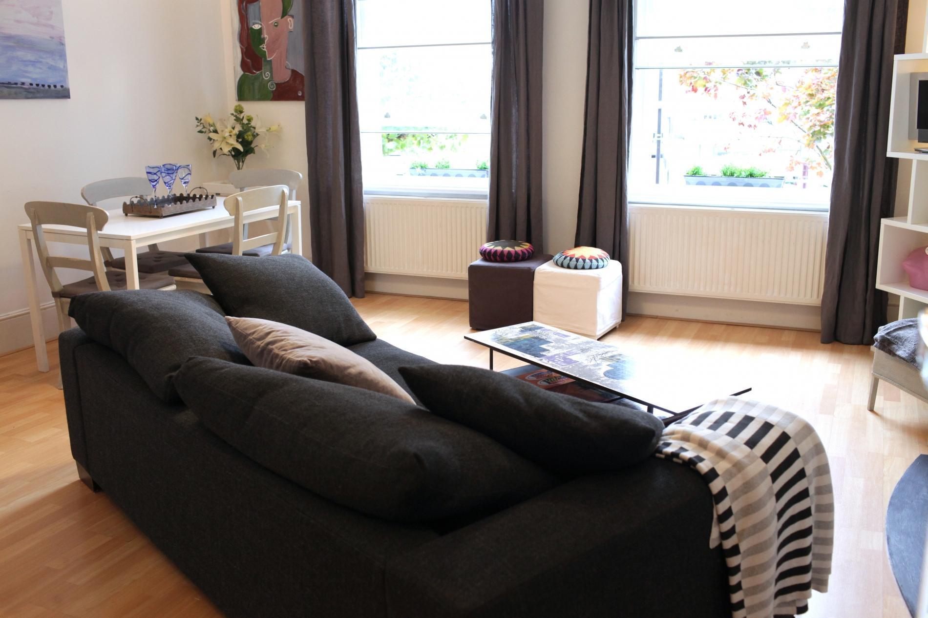 Trendy 2BR Flat In West Hampstead